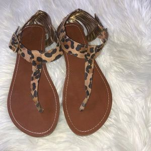 Leopard thing sandals